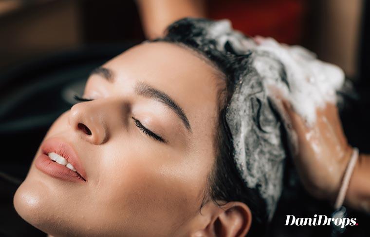Shampoo Detox: Conheça os Benefícios