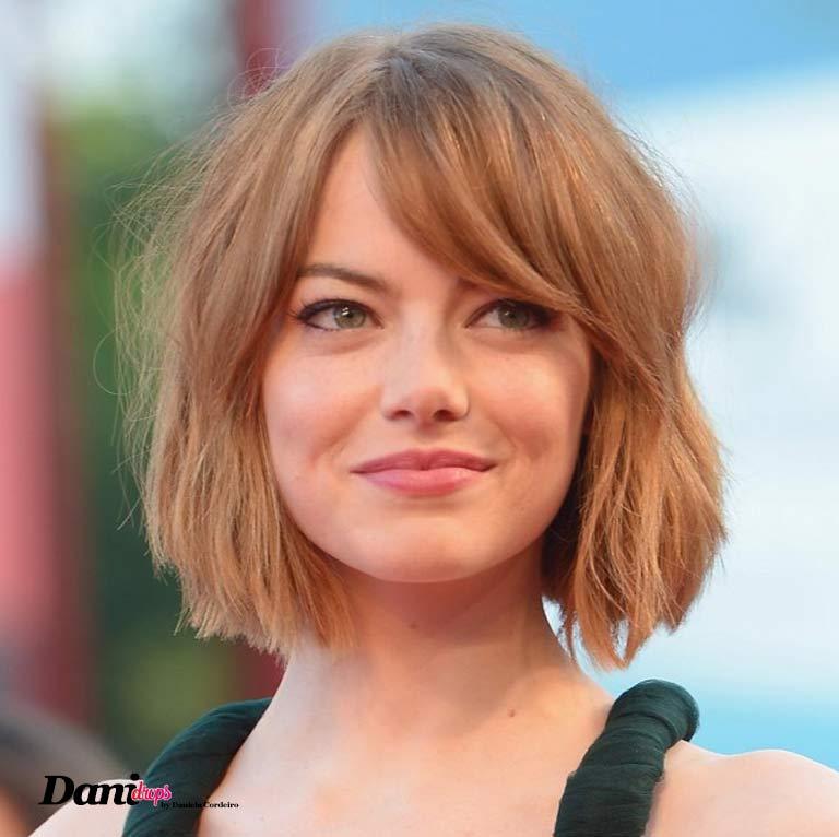 Emma Stone usando corte de cabelo Blunt Cut