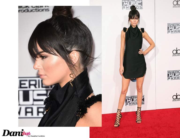 Kendall Jenner Franja com Coque no Alto da Cabeça
