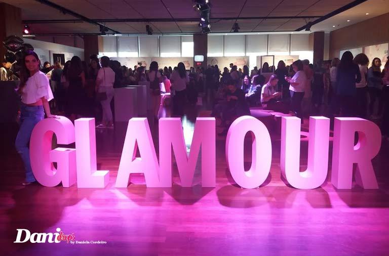 Daniela Cordeiro vistando o evento da Glamour Beauty Festival