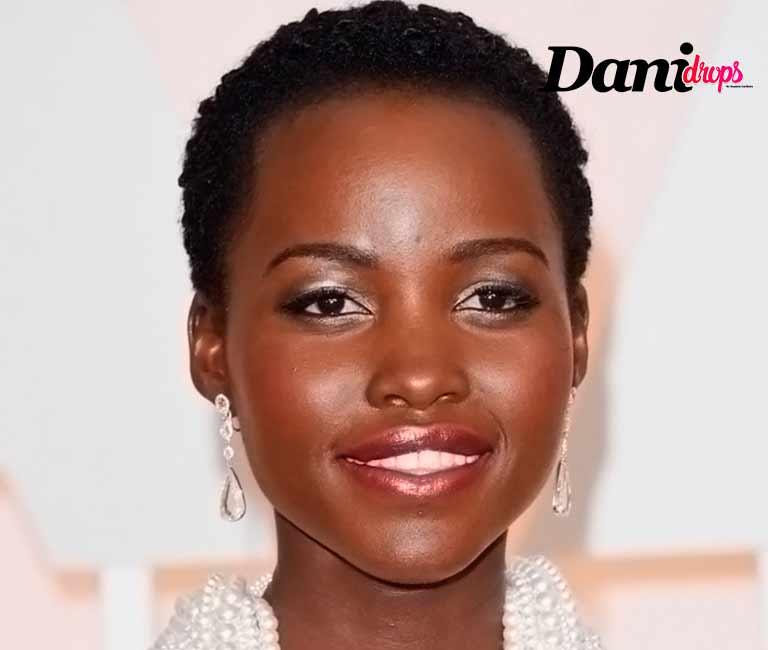 Lupita Nyong'o tendência de corte de cabelo