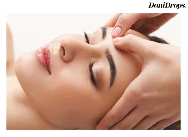 Faça uma massagem facial